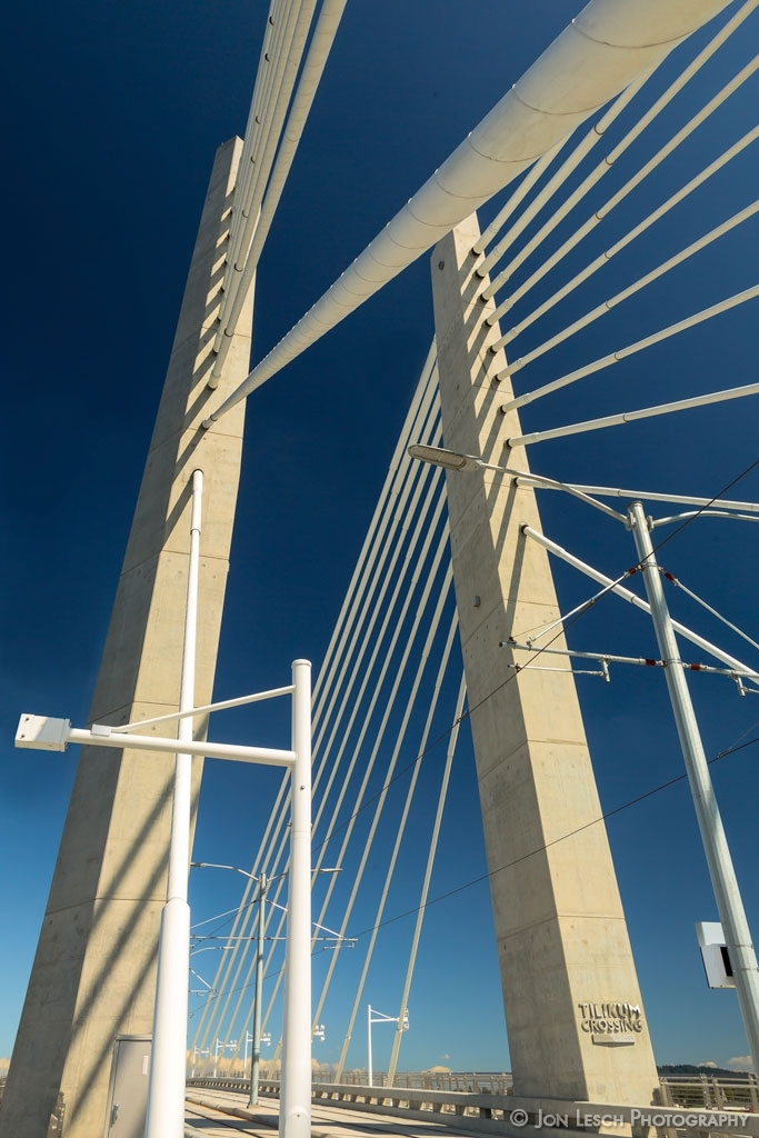 Tilikum-Crossing